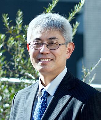 山崎忍 主任牧師 プロフィール写真